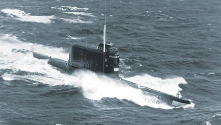 Подводные лодки проекта 629А получили способность наносить ракетные удары уже из подводного положения. Фото с сайта www.navy.mil