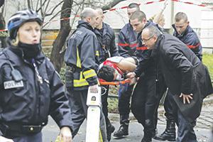 За три дня погибли 17 человек, почти столько же было ранено. Фото Reuters