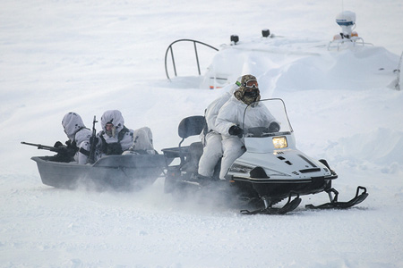 Россия готова отстаивать свои интересы в Арктике  не только дипломатическими средствами.  Фото с официального сайта Министерства обороны РФ