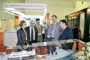 На международных выставках российские кораблестроители стремятся не ударить в грязь лицом. Фото с сайта www.zdship.ru