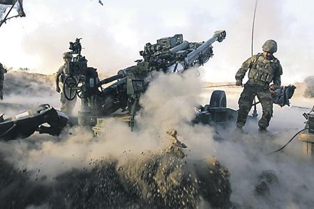 Любая гибридная война все равно не исключает применение вооруженной силы со всеми вытекающими последствиями. Фото с сайта www.dvidshub.net