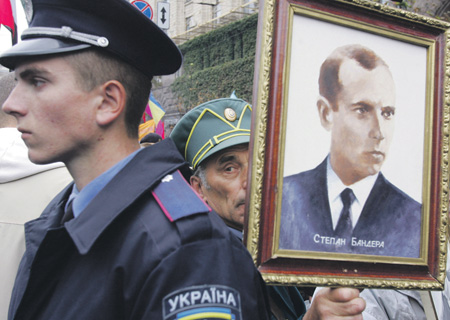 "С такими ""героями"" Украине в Европе не место. Да и не только в Европе. Фото Reuters"