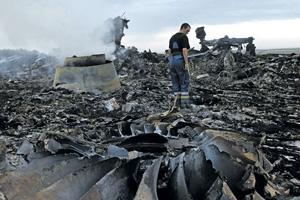 Катастрофу малайзийского авиалайнера Запад тоже хочет «повесить» на Россию. Даже если выяснится, что его сбили украинские военные. Фото Reuters