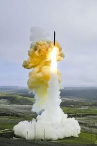 Американцам пришлось отказаться от размещения в Европе значительного наряда ракет-перехватчиков GBI, в которые, по мнению российских экспертов, уже изначально были заложены ударные функции. Фото с сайта www.mda.mil