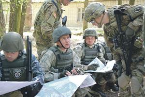 Американские военные инструкторы на украинской земле. Фото  Reuters