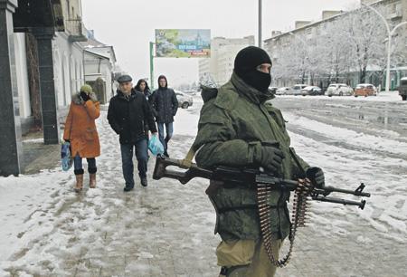 В гибридной войне не существует понятий «фронт» и «тыл», и не всегда очевиден ее инициатор. Фото Reuters