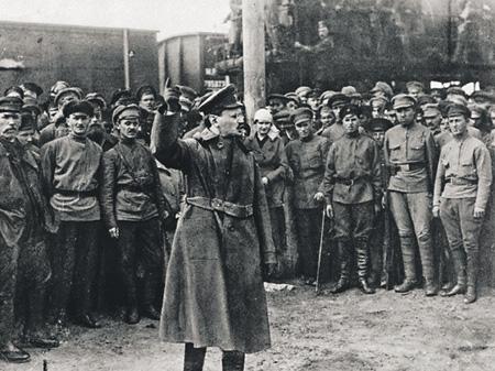 Одним из создателей Красной армии стал Лев Троцкий. Фото 1920 года
