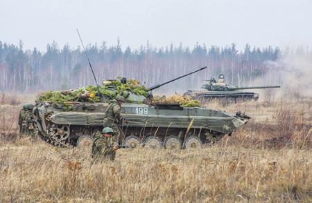 Российская армия готовится отражать угрозы различного характера. Фото с сайта www.mil.ru