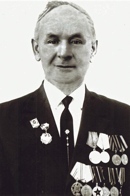 Владимир Иванович Котельников – один из разработчиков и специалист по использованию радиомин в годы войны, сотрудник института.