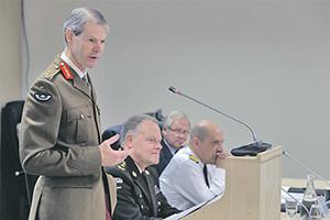 Британский генерал Эдриан Бредшоу настаивает, что страны НАТО не смогут отразить атаку Вооруженных сил России.   Фото с сайта www.aco.nato.int