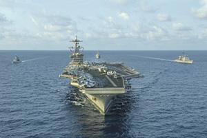 Советская пропаганда утверждала, что авианосцы – орудие агрессии, потому СССР авианосцы и не строил, отдав океан на откуп ВМС США. Фото с сайта www.navy.mil