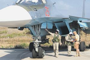 Экипаж российского бомбардировщика готовится к выполнению боевой задачи. Фото с официального сайта Министерства обороны РФ